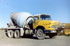 Equipment Trailers, Mixer Truck, Old Lorries, Mercedes Benz Trucks, Concrete Mixers, Cool Trucks, Buses, Legends, Futuristic Vehicles