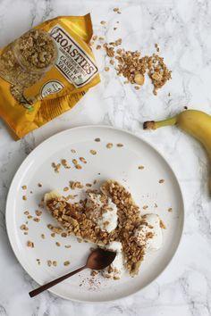 Bananensplit met pindakaas en roasties