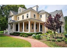 love the front porch and yellow color