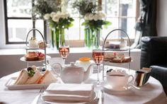 Tea Time im Widder Hotel Zürich Hotel Food, Snacks, Restaurant Bar, Afternoon Tea, Tea Time, Tea Cups, Restaurants, Champagne, Table Settings