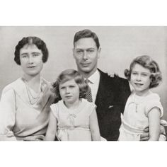 The royal family in Queen Elizabeth, Princess Margaret, King George VI, and Princess Elizabeth Young Queen Elizabeth, Princess Elizabeth, Princess Margaret, Margaret Rose, Duchess Of York, Duke And Duchess, Prinz Philip, English Royal Family, Queen Elizabeth