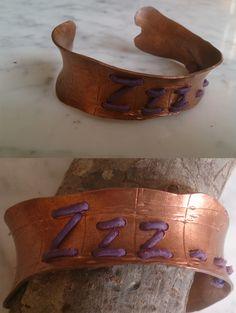 De cobre con adorno cuerda cuero. Cuff Bracelets, Belt, Leather, Accessories, Jewelry, Fashion, Copper, Twine, Ornaments