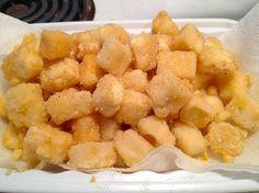 Mordiscos crujientes de tofu picante