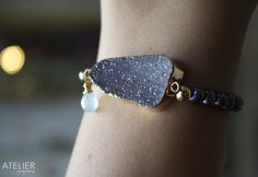 Brazilian drusy, chalcedony aqua, and pearl bracelet!! <3 Available at: www.facebook.com/ateliergabymarcos