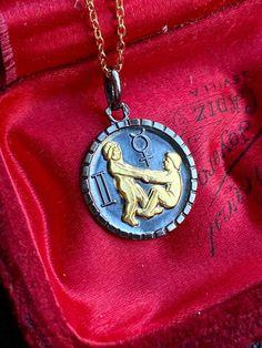 Gemini Zodiac Sign Necklace with Gold Chain, Celestial Astrology Jewelry, Spiritual Talisman Zodiac Sign Necklace, Zodiac Jewelry, Castor And Pollux, Zodiac Signs Gemini, Engraved Jewelry, Gifts For My Boyfriend, Bump, Beautiful Necklaces, Gold Chains