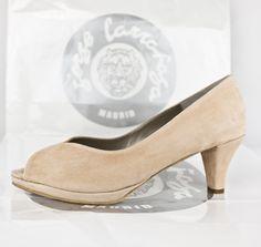 #zapatos #plataforma #tacones #piel #beige #zapatosdepiel #hechosamano #madrid #madeineurope #real #SCARPE #SCHUHE #CHAUSSURES #SABATES #OINETAKOAK #SHOES #MADEINEU #TRUE #HEELS #LOWHEELS #MEDHEELS #FASHIONSHOES #CUSTOMMADE #MADETOORDER #ESHOP JorgeLarranaga.com