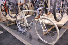 grasstrack-fixed-gear-bike-by-independent-fabrications.jpg 600×398 pixels