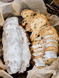 Stollen o pan de pascua alemán Chilean Recipes, Chilean Food, Christmas Bread, Ancient Recipes, Good Food, Yummy Food, Delicious Recipes, Friend Recipe, Pan Dulce