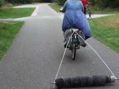 Vilten achter de fiets op Texel