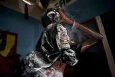 © Paolo Marchetti Cité Soleil, Haïti http://www.photo.fr/blog/visa-pour-l-image-le-palmares-2013.html