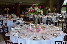 Beautiful flower arrangements at Glen Oaks Beautiful Flower Arrangements, Beautiful Flowers, Glen Oaks, English Style, Banquet, Getting Married, Table Settings, Happy Thoughts, Wedding Ideas