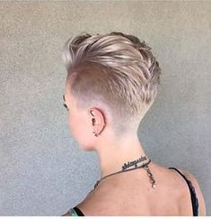 Debs Hairstyles, Hairstyles Over 50, Pixie Hairstyles, Funky Haircuts, Girl Haircuts, Short Hair Trends, Short Hair Styles, Short Hair Shaved Sides, Pink Haircut
