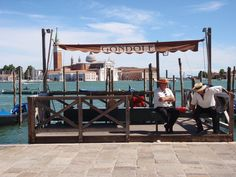 You can't miss a Gondola ride when you're in Venice, Italy. Travel Around The World, All Over The World, Around The Worlds, Venice Italy, Historical Sites, Cancun, Something To Do, Golf Courses, City