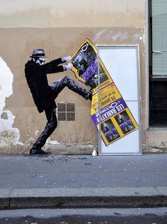 Street art by Levalet avec de l'Encre de chine sur kraft