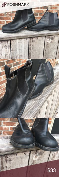 Men's Timberland Shoes Great for work. Worn handful of times. Great condition. Timberland Shoes Boots