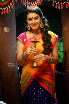 Hansika Motwani looks fabulous in Tamil Movie Aranmanai