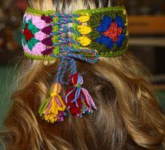 Artículos similares a Crochet headband Granny Squares Laceup headband with tassels Boho hippie Multicolored headband Winter autumn spring Ear warmer Head wrap en Etsy Crochet Beanie Pattern, Granny Square Crochet Pattern, Crochet Patterns, Crochet Shoes, Love Crochet, Crochet Clothes, Crochet Summer Hats, Knitted Owl, Ear Warmers