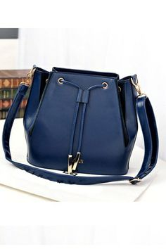 Fashion Crossbody Bag With Drawstring