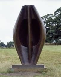 © The Henry Moore Foundation. This image must not be reproduced or altered without prior consent from the Henry Moore Foundation.