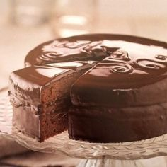 Sweet Desserts, Sweet Recipes, Cake Recipes, Sacher Torte Recipe, Delicious Deserts, Hershey Chocolate, Chocolate Factory, Cakes And More, Yummy Cakes