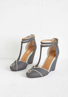 Catch a Glimpse Wedge in Scales. Your ensemble today is a truly a must-see - starting with these striking grey wedges by Seychelles. #grey #wedding #modcloth