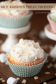 Rice Krispies Treat Frosting - marshmallow frosting studded with crunchy bits of cereal! This stuff is outrageous! | Buns in My Oven