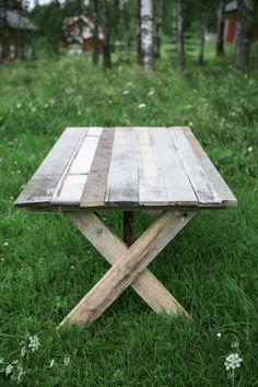 DIY: Matbord av återvunnet virke