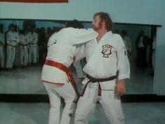 ▶ Elvis Karate - YouTube
