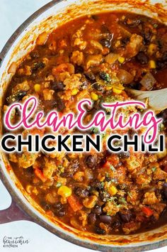 Clean Eating Chicken Chili - this hearty and healthy chili recipe is lightened up with ground chicken and is 21 day fix approved.