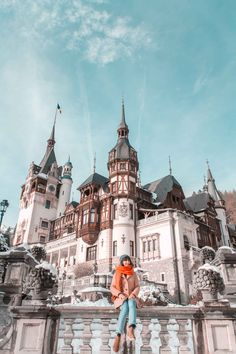 3 Days In Romania: Bucharest and Transylvania Road Trip itinerary Beautiful Places To Travel, Best Places To Travel, Cool Places To Visit, Prague Shopping, Shopping Travel, Bran Castle Romania, Peles Castle, Visit Romania, Romania Travel