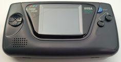 Game Gear, la cosol portatile della Sega, con giochi molto divertenti.