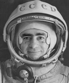 Retrato oficial de Ivan Istochnikov  Sputnik - Joan Fontcuberta (1997)