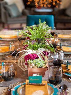 Home for the Holidays: 8 Tips for Setting a Festive Table (http://blog.hgtv.com/design/2013/11/18/christmas-table-setting-ideas/?soc=pinterest)
