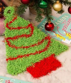 Christmas Tree Scrubby Free Knitting Pattern in Red Heart Scrubby Yarn