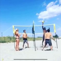 Four square volleyball Volleyball Warm Ups, Volleyball Videos, Volleyball Rules, Beach Volleyball Game, Volleyball Skills, Volleyball Tournaments, Volleyball Workouts, Coaching Volleyball, Volleyball Photos