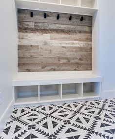 Awesome small mudroom design ideas (8)