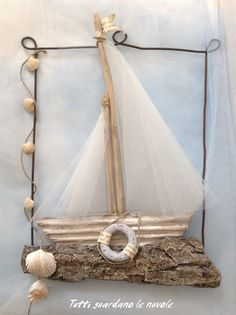 Everyone looks at the clouds: Summer Decoration, Sea Crafts, Seashell Crafts, Nature Crafts, Diy And Crafts, Arts And Crafts, Driftwood Projects, Driftwood Art, Summer Decoration, Deco Marine
