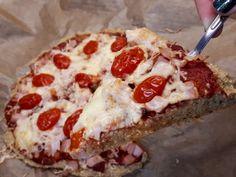 Zabpizza: 3 összetevős, lisztmentes pizza zabpehelyből - Salátagyár Ketchup, Pepperoni, Pizza, Food, Essen, Meals, Yemek, Eten