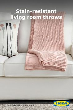 Encourage the whole family, from children to grandparents, to feel comfortable in your living room and join the fun with extra-soft, stain-resistant IKEA INGABRITTA throws.