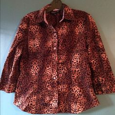Leopard Print Blouse 3/4 sleeve button up blouse. Brown, tan & black leopard print with light brown buttons. Great with a black skirt, jeans or leggings! Jones New York Tops Button Down Shirts
