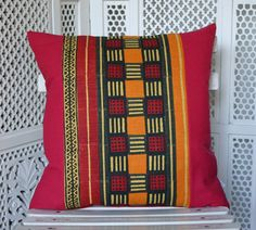 HAND BLOCK PRINTED COTTON PILLOW / Henry Road