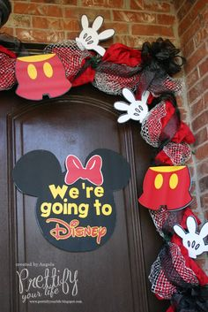 Wouldn't this be a great way to surprise the kids with a Disney trip?  Decorate the front door for them to see when they get home from school!