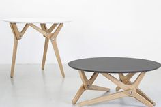 Transformable tables by French furniture brand Boulon Blanc (via formfreundlich by vivia) French Furniture, Table Furniture, Furniture Design, Esstisch Design, Multipurpose Furniture, Transforming Furniture, Modern Table, Interior Design Living Room, Dining Table