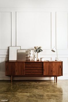Getting Bored With Your Home? Use These Interior Planning Ideas – Lastest Home Design Modern Living Room, Retro Room, White Walls, Wooden Cabinets, Simple Living Room, Black Brick Wall, Interior, Mid Century Modern Living Room, Room Interior