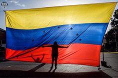 Te presentamos la selección: <<FOTO DEL DÍA: Trancazo #10jul>> en Caracas Entre Calles. ============================  F O T Ó G R A F O  >> @federicoparra << Visita su galería ============================ SELECCIÓN @ginamoca TAG #CCS_EntreCalles ================ Team: @ginamoca @luisrhostos @mahenriquezm @teresitacc @floriannabd ================ #Caracas #Venezuela #Increibleccs #Instavenezuela #Gf_Venezuela #GaleriaVzla #Ig_GranCaracas #Ig_Venezuela #IgersMiranda #InstaloVenezuela…