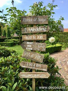 Wedding Signs, Boho Wedding, Rustic Wedding, Dream Wedding, Mr Mrs Sign, Head Table Wedding, Mr And Mrs Wedding, Brunch Wedding, Indoor Wedding
