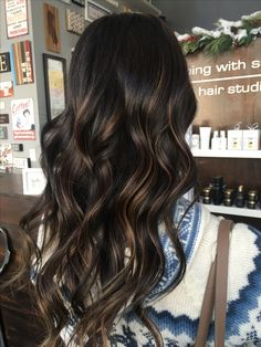 20 Hottest Crochet Hairstyles in 2019 - Braids, Twists & Faux Locs - Style My Hairs Brown Hair Balayage, Hair Color Balayage, Hair Highlights, Ombre Hair, Brown Balyage, Bayalage On Black Hair, Hair Color For Black Hair, Dark Hair, Brunette Hair