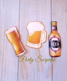 Cheers! Super cute beer bottle and mugs cupcake toppers. Perfect for birthday, sports, fathers day, and bachelor parties. Made of strong card stock, attached to a wooden stick. Same on both sides. Measures about 3-3.5 H plus about 2 stick. Select your quantity of toppers from the DROP