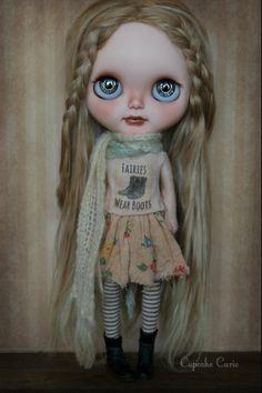 Blythe by Cupcake Curio http://www.flickr.com/photos/lapetitemuse/