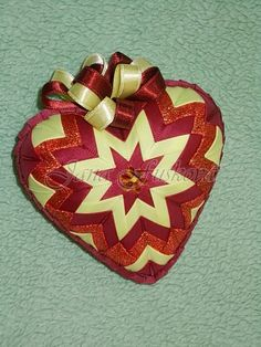 srdce bordovo-žlté v kombinácii s lurexovou stuhou 11 cm